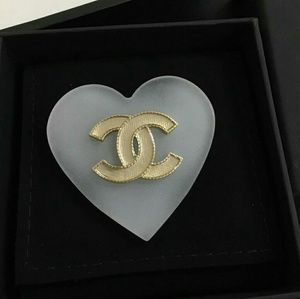 Chanel resin heart brooch